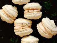 Macarons med laksemousse